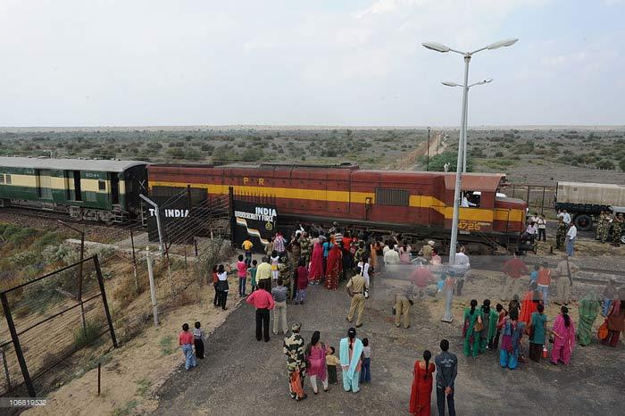 Drunk Stationmaster Delays Thar Express