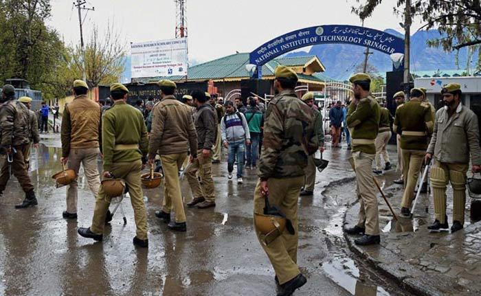 Don't Force Bharat Mata Ki Jai Chant … Don't Raise Pak Slogans Either … J&K Cops Hit Pro-India Students, Srinagar Unsafe: Varun Kundan