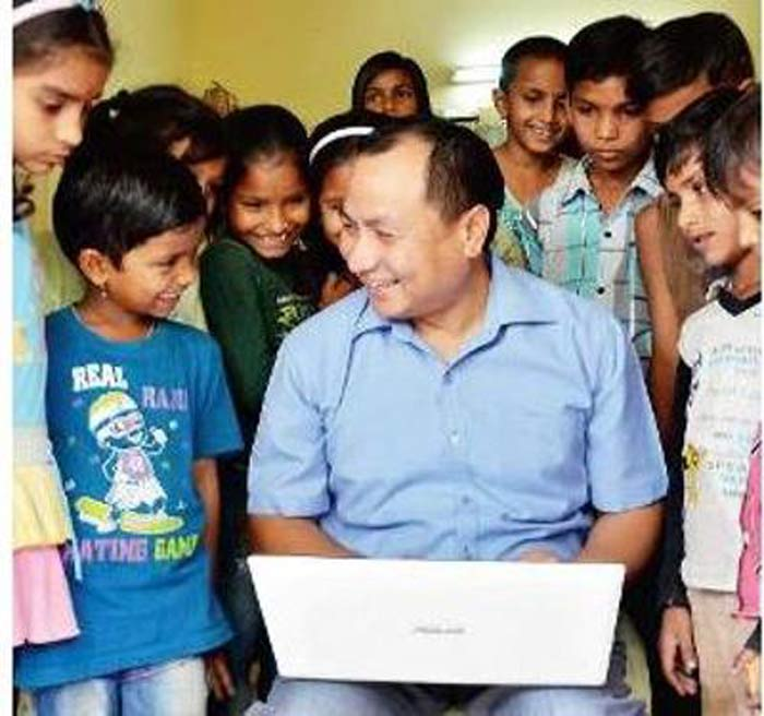 IAF Doctor By Day, He Educates 30 Children For Free