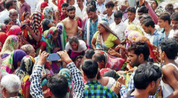 Refused Bribe Of Rs 100, Cops Beat 2 To Death