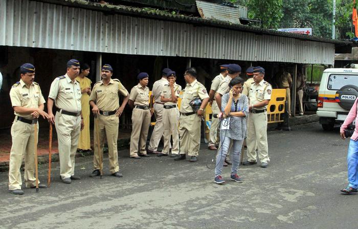 Mumbai Woman Tries To Do