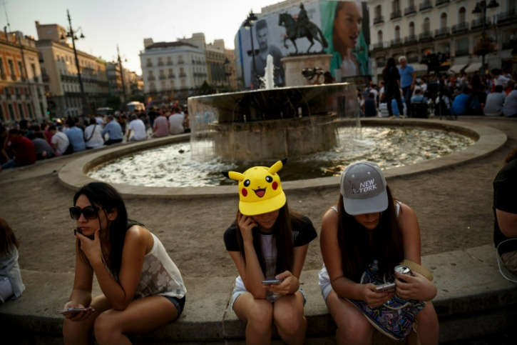 Pokemon Go fans