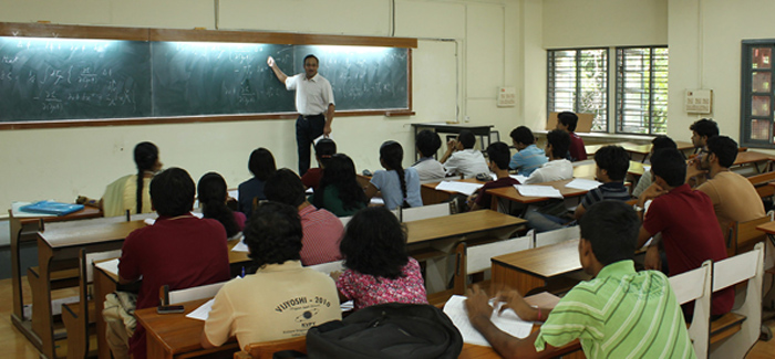 Help Pours In As Son Of Daily Wage Labourers Makes It To IIT-Madras