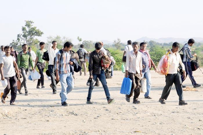 hindus migrating