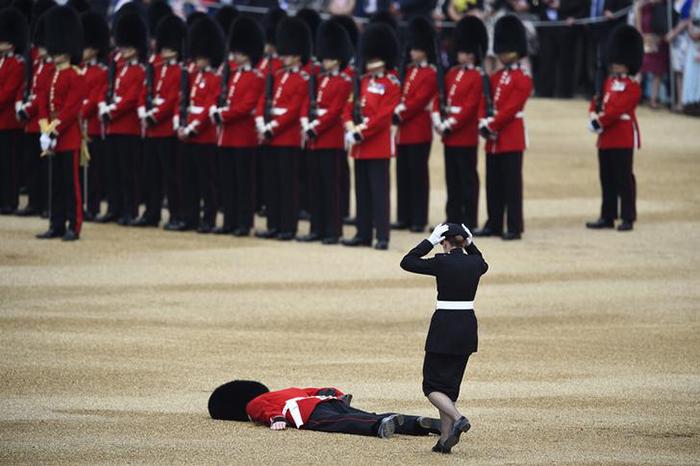 Guardsman faints