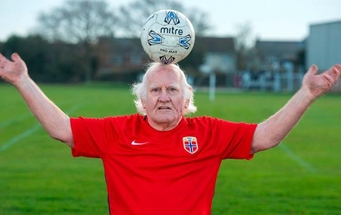 oldest footballer