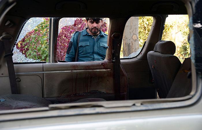 Kill 5 female Afghan airport
