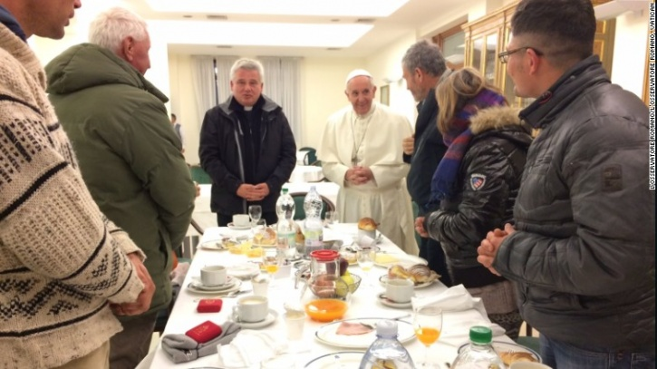 For His 80th Birthday, The Pope Ate Breakfast With The Homeless!