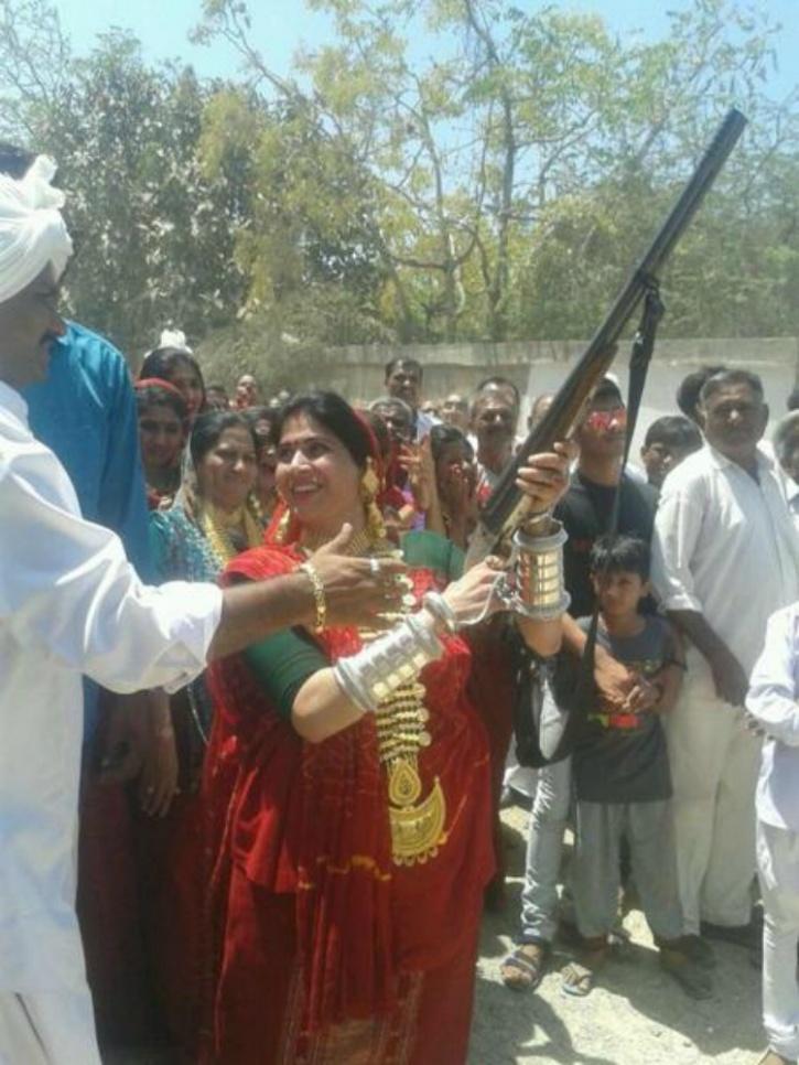 wedding guns