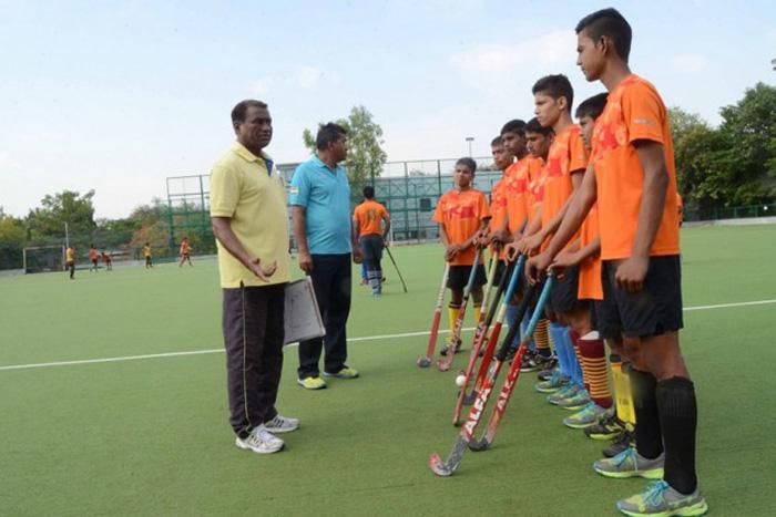 1458 hockey india