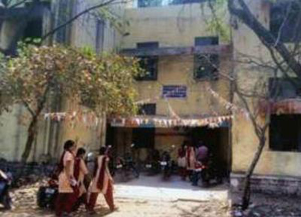 Lack Of Toilets Are Forcing Some 400 Girls Of This Hyderabad College To Pee In The Open