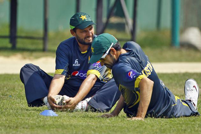 Pakistan players cricket  practice together