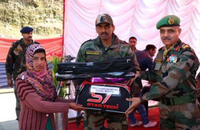 Army organises free tuition for needy Kashmiri students
