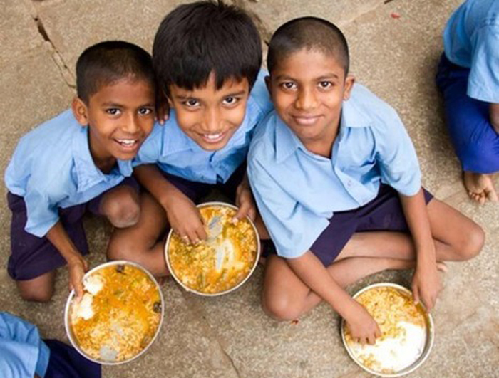 An IIT Graduate Who Is Providing Mid-Day Meal To School Children