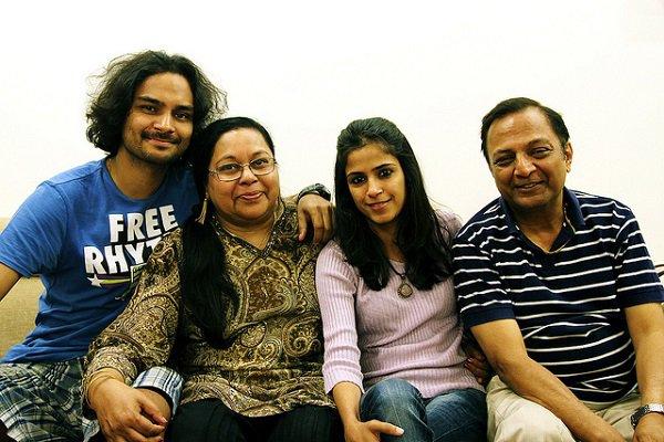 Jain and family