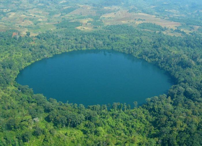Lake Yeak Lom