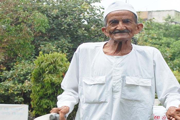 India's Most Hard Working Freedom Fighter Is Planning to Set Fire To Liquor Stores
