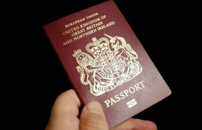 Faye Wilson uses passport as toilet paper