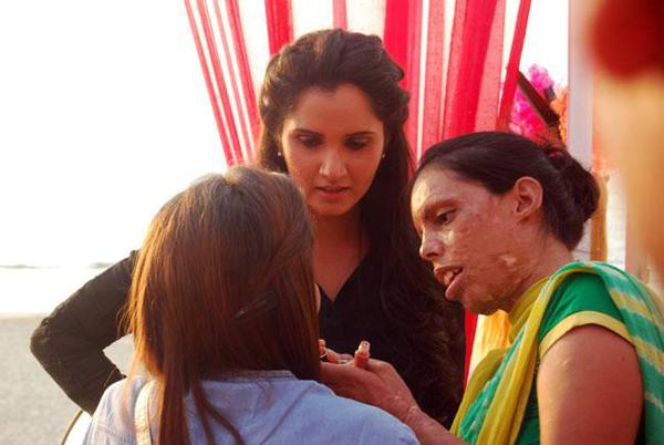 Sania Mirza with Sonia (right)