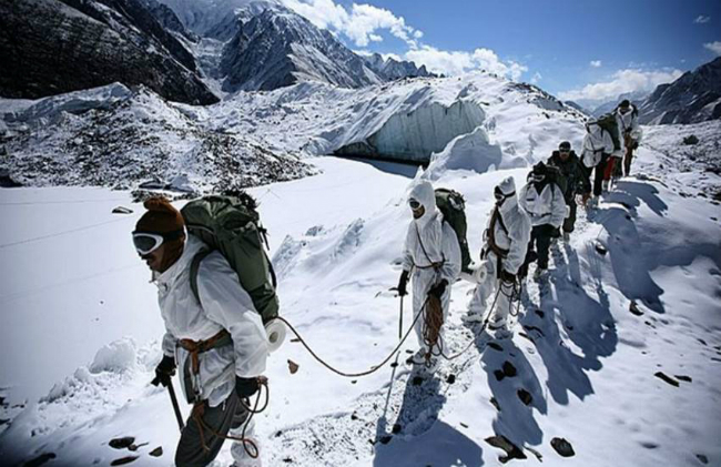 Soldiers in siachen