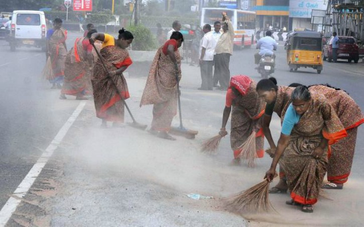 Graduates, Postgraduates, MBAs, BTechs Among 19,000 Applicants For Sweeper Job In UP Town