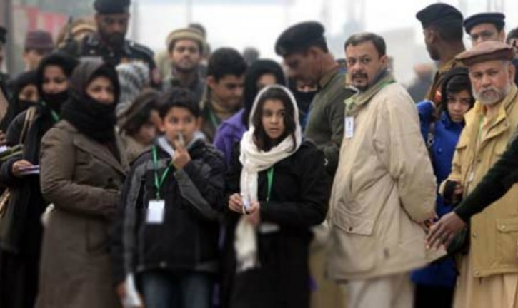 Hundreds Of Pakistanis Continue Their Wait To Be Accepted As Indians