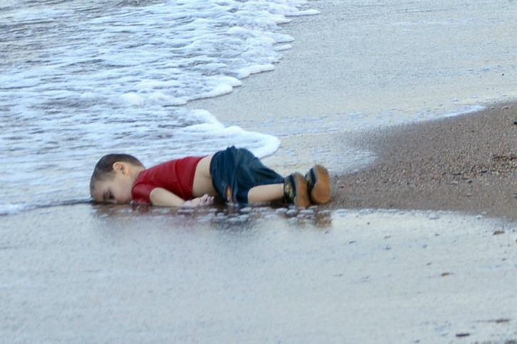 New Charlie Hebdo Cartoon Suggests Drowned Syrian Boy Aylan Kurdi Would Have Become Sexual Attacker