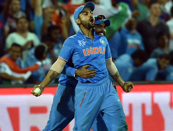 Kohli catches in the outfield