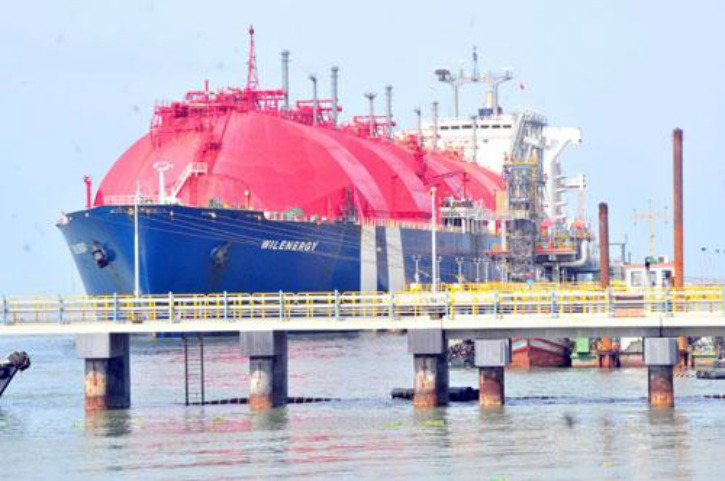 Qatar Waives Off Rs 12,000cr liability, To Sell Gas At Half Price To India