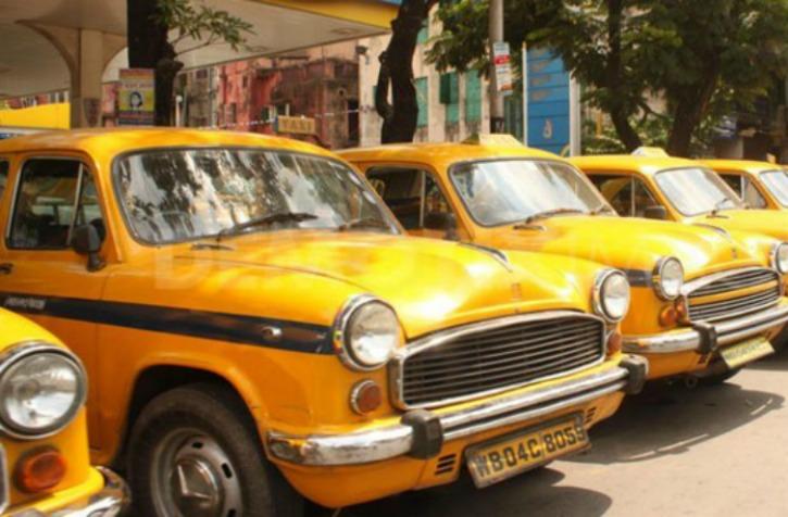 Honest Kolkata Cab Driver Who Returned Rs 6 Lakhs Left By Passenger