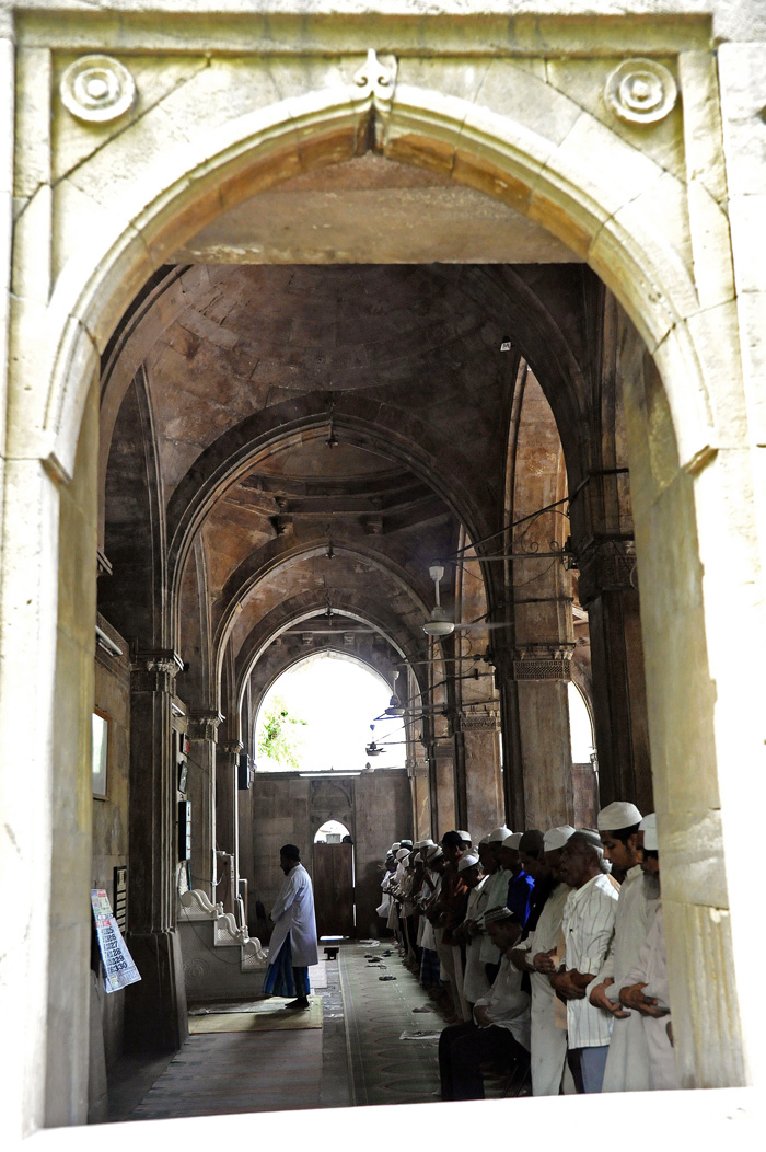 Made By A Pandit, This Mosque Is Today Cared For By Hindus!