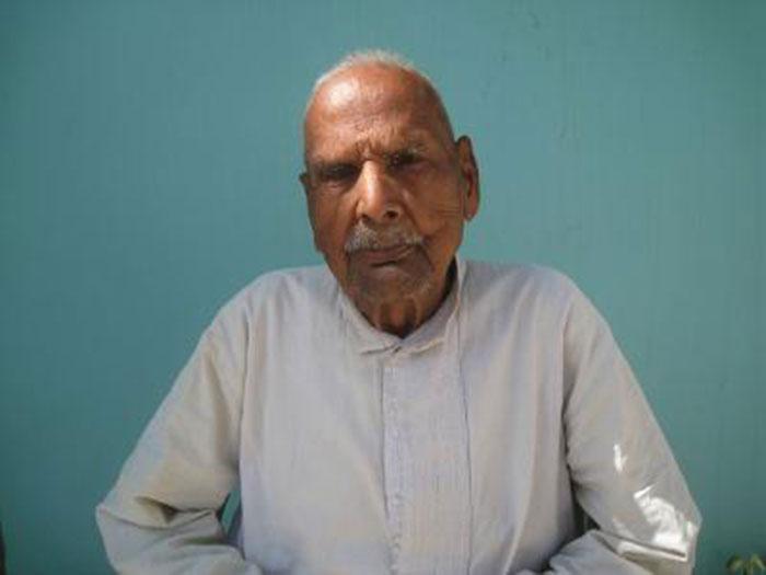 Police Officer Who Interrogated Nathuram Godse Dies At 98