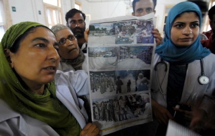 Doctors protest against CRPF in Kashmir