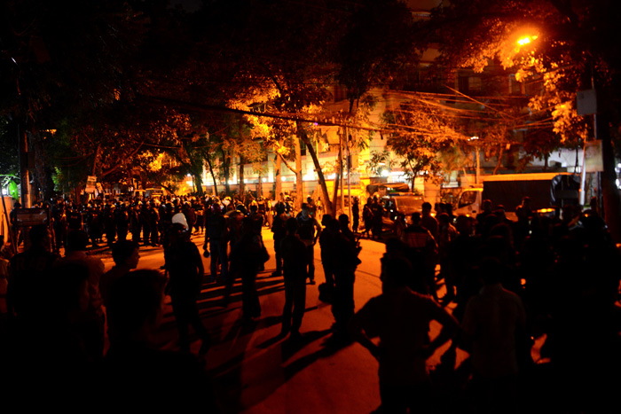 Cafe in Dhaka attacked