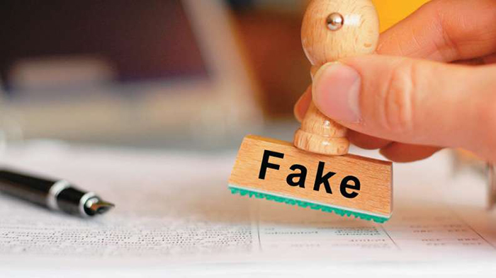 Vice Chancellor Of This Fake University In UP Is Actually A Churan Seller