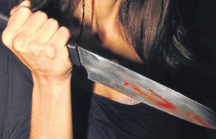Wife Stabs Husband And Runs Away After He Stops Her From Gambling