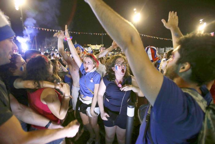 French public celebrates