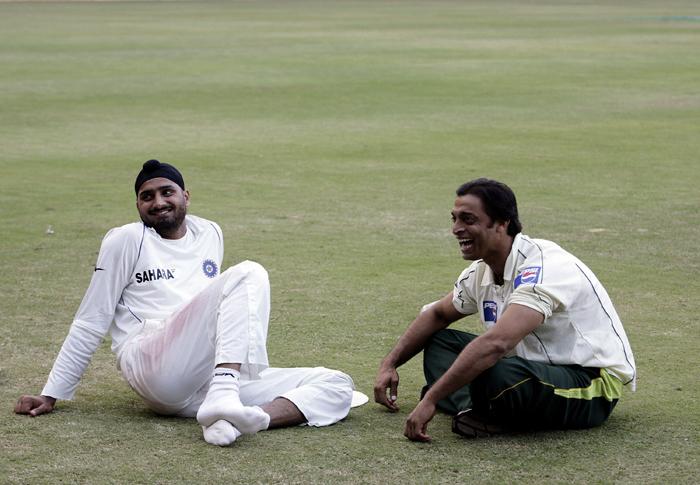 Harbhajan with Shoaib