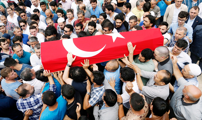 Mourners of Istanbul terror attacks at a funeral