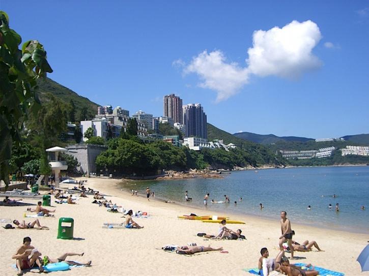 hong kong trash beach 2