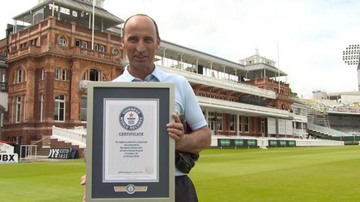 Nasser Hussain Sets Guinness World Record