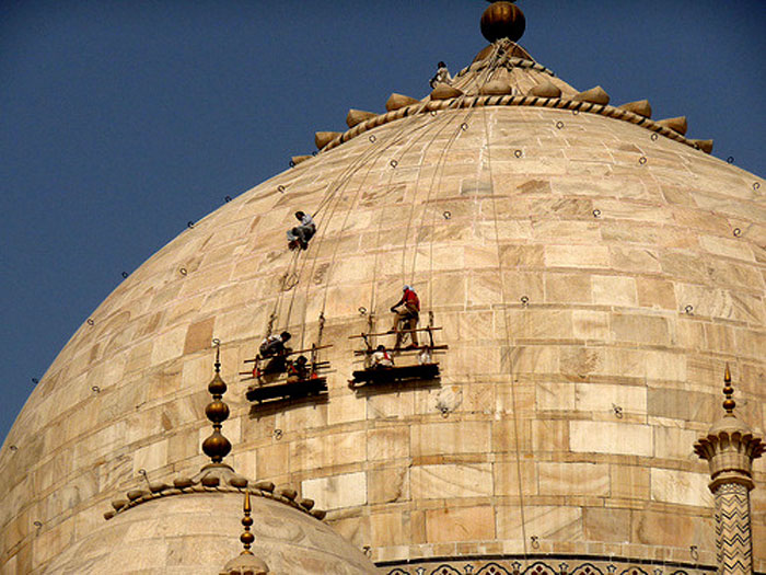 In The Past Three Years Rs 11 Crore Was Spent On Maintaining The Taj, While Its Revenue Was Rs 75 Crore