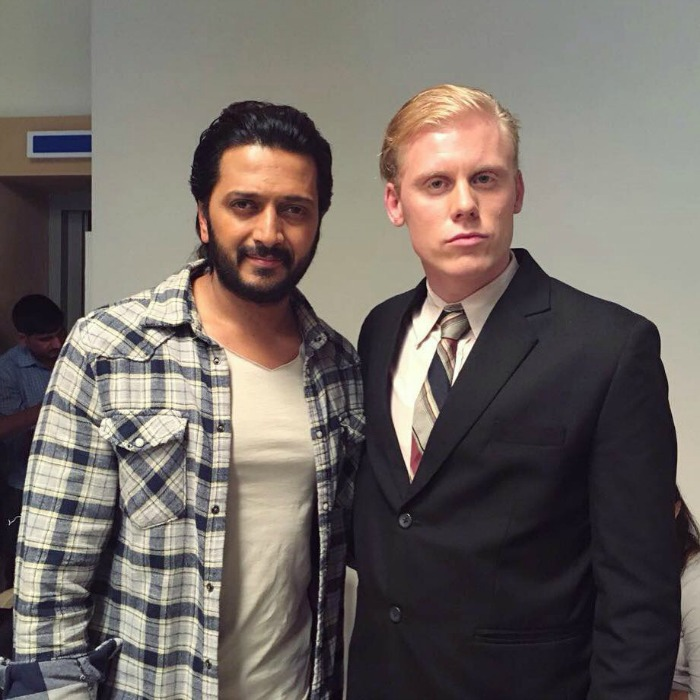 2 Foreigners In Bollywood