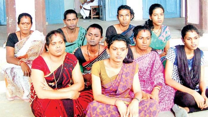 Kochi Metro Extend Helping Hand To Transgenders