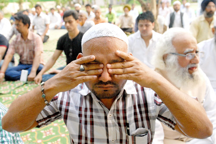 In This UP District, Muslims Have Been Practicing Yoga For 20 Years