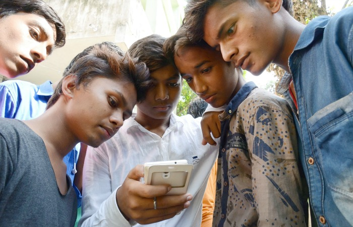 TRAI May Allow Telecom Operators To Provide Their Own WhatsApp And Skype Like Services