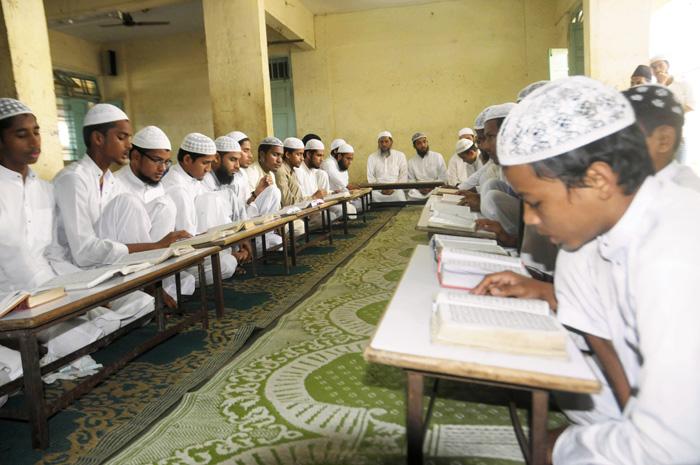 Pakistan grants Rs 300 million to madrassa linked to Afghan Taliban