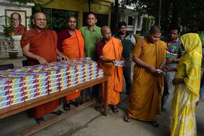 For The Last 6 Years, This Buddhist Monastery Has Served Iftar To Hundreds Of Fasting Muslims