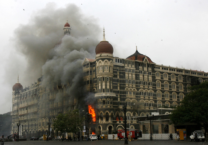 Here Is The Story of  Unsung Hero And US Marine Ravi Dharnidharka who saved 157 Lives In Taj Hotel On 26/11