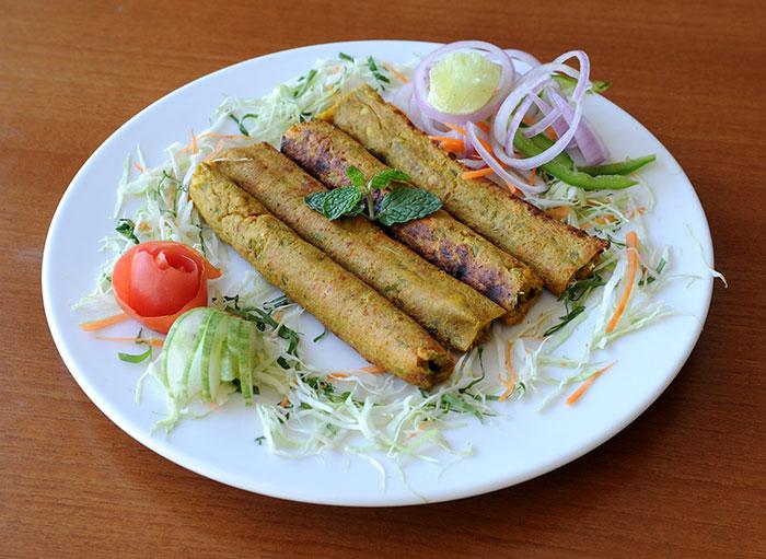 Mohd. Ali Road vs Jama Masjid – Who Has The Better Ramzan Food?